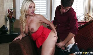 Smashing voluptuous blonde mature hottie Britney Amber gets the right pecker in the right putz