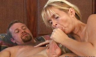 Horny blonde mature Rita likes to fuck every fuckmate she falls for