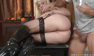 Slutty blonde mature perfection Heidi Mayne fucked well
