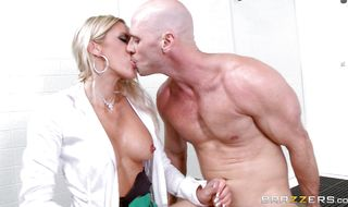 Sexual blonde minx Audrey Show seduces a male with her booty