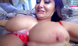 Engaging mature brunette honey Ava Addams got her soaking wet cooter stuffed with a rock hard sausage