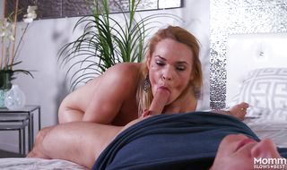 Stupefying blonde Blaten Lee gives a perfect blowjob