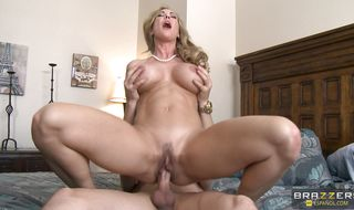 Pussy tester bangs his bimbo Brandi Love