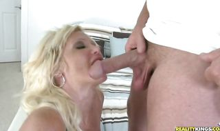 Dazzling diva Dawson Daley gave a nice blowjob to lad before she fucked him like crazy