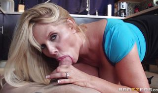 Inviting mature babe Karen Fisher engages in mutual oral sex with a total mate