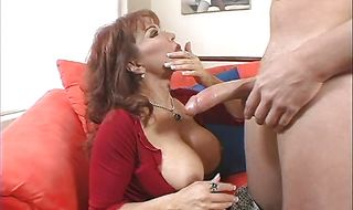 Playful Sexy Vanessa has her plump lovebox plowed
