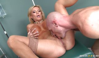 Delicious mature Amber Lynn enjoys being putz fucked from behind