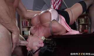 Luxurious mature latin brunette hottie Ariella Ferrera getting her vag plowed