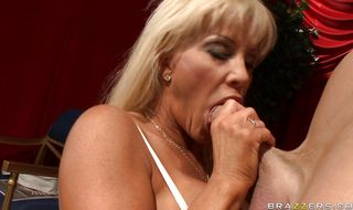 Mischievous mature blonde JR Carrington needs her hairy twat to be smashed