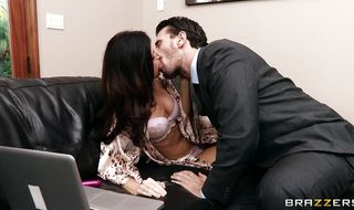 Playsome brunette India Summer bangs with experienced stranger