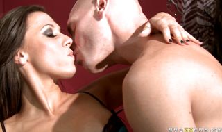 Wonderful Rachel Starr gives a passionate blowjob