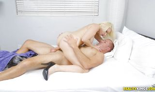 Racy mature blonde Sunny is in a mood for wild fucking
