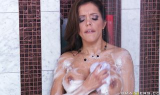 Enchanting Francesca Le found the perfect dick and has to ride it
