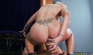 Swingeing blonde Candy Manson got fucked in the muff and enjoyed it a lot