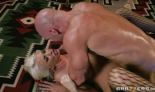 Lusty cutie Summer Brielle is doing her best to satisfy buddy because she likes him a lot