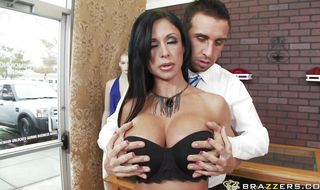 Raunchy mature Jewels Jade got fucked in her perfectly shaved cooter by stud