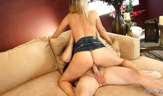 Delectable mature hottie Devon Lee eagerly rides a strong beef bayonet
