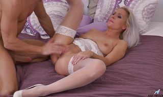 Striking mature Kathy Anderson got fucked hard by mate