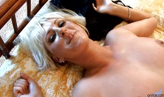Mature gal Emilianna is ready to fuck really hard to get a load of semen