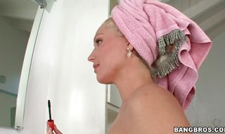 Addicted mature floosy Dianna Doll seductress is eager to get properly poked